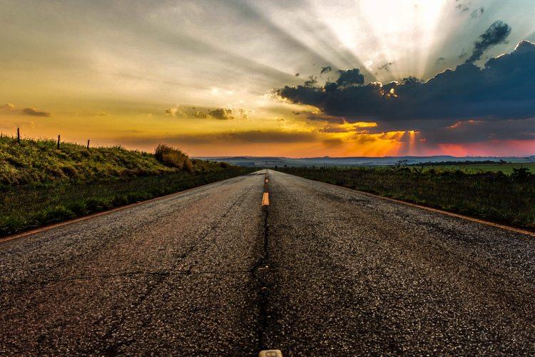 asphalt-clouds-countryside-672597